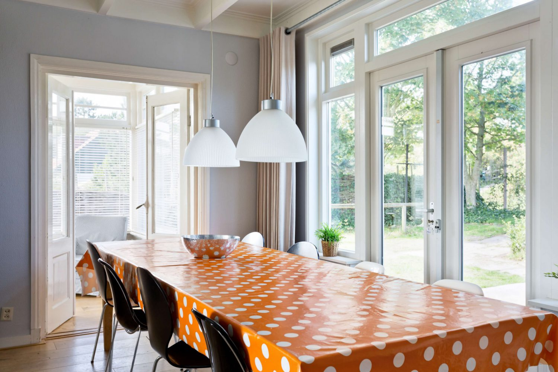 Luxe vakantiehuis op Schiermonnikoog met riante keuken met openslaande deuren