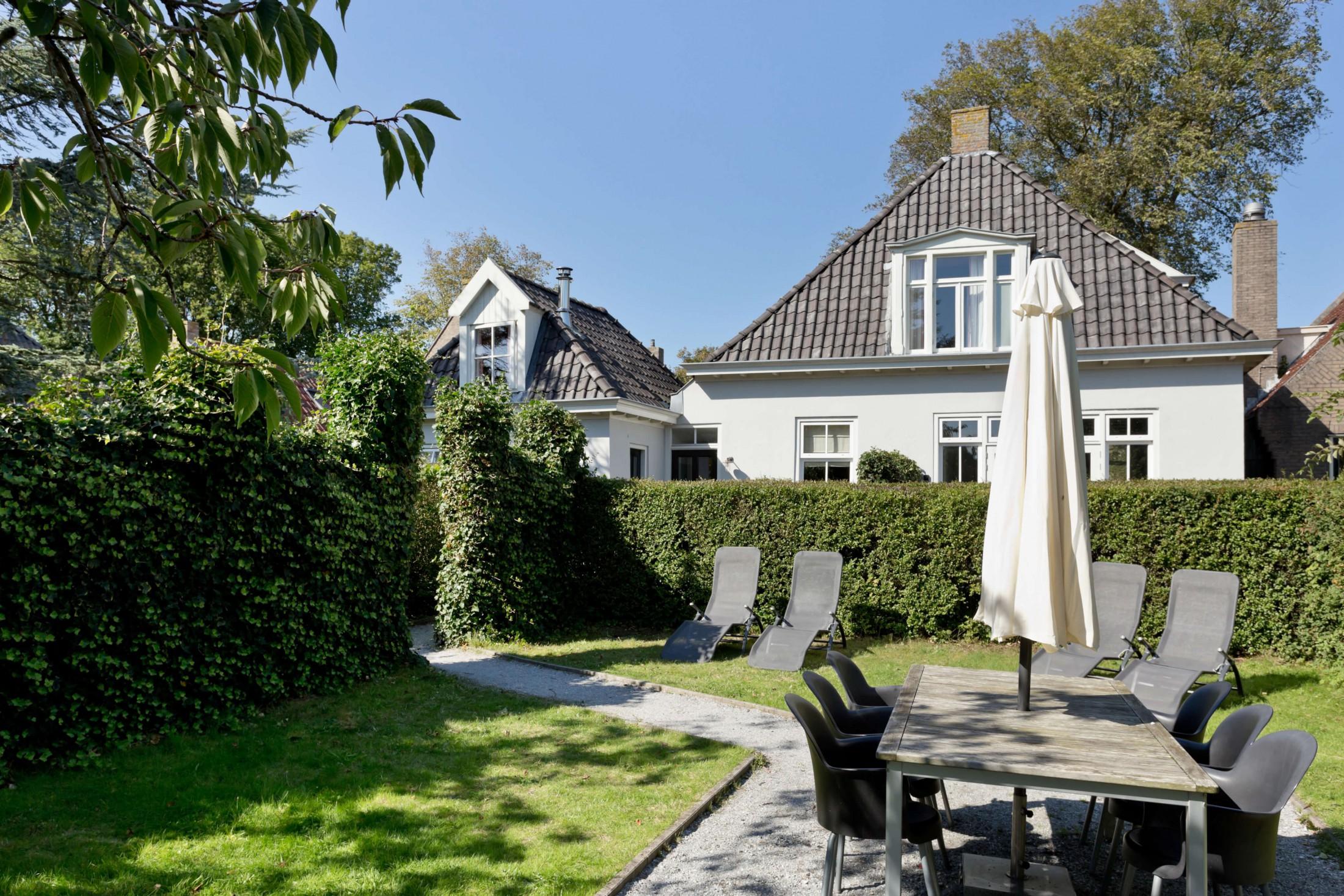 Vakantiehuis Us Wente op Schiermonnikoog met riante tuin